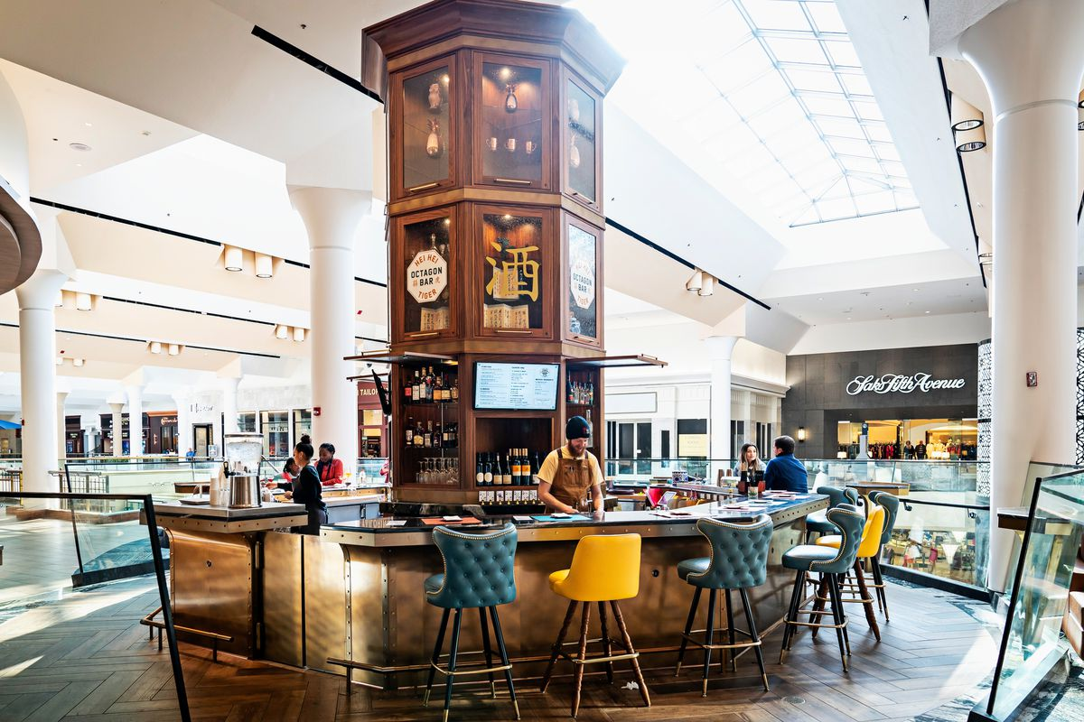Hei Hei Tiger is overseeing a central, octagonal-shaped bar at the Tysons Galleria food hall