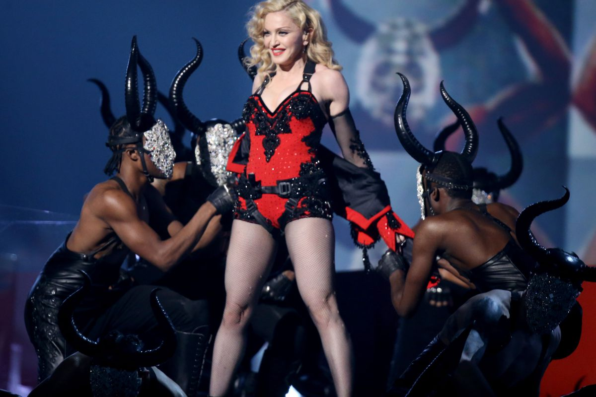 """Madonna performs """"Living for Love"""" at the Grammys"""