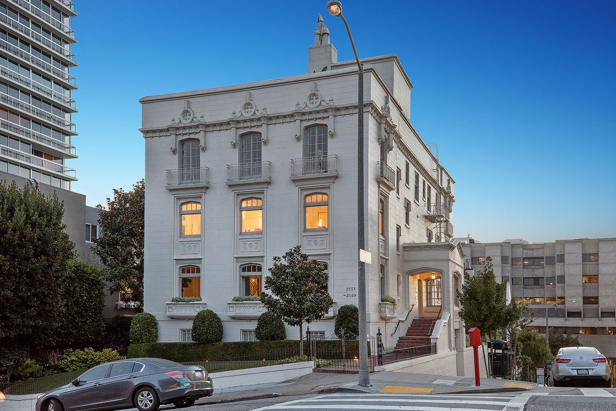 Pacific Heights Pre War Beaux Arts Flat Asks 3 9 Million