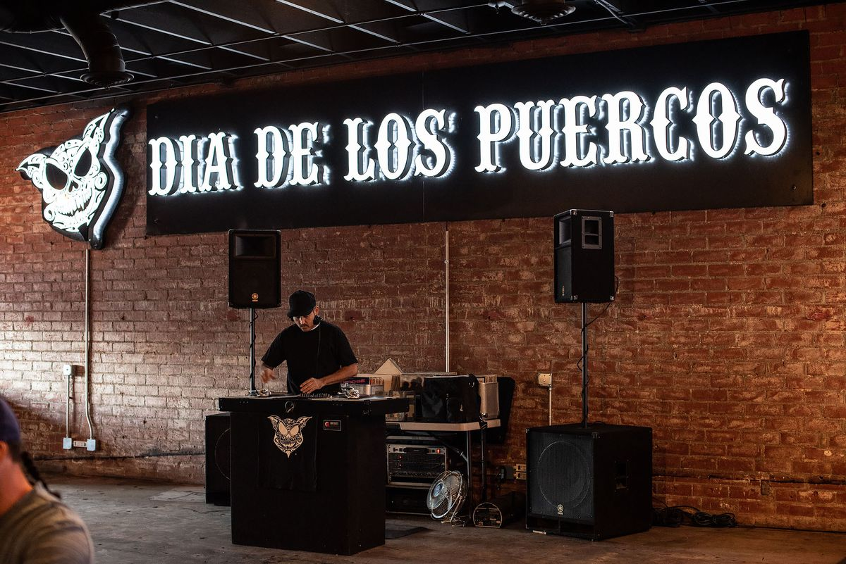 It's a party at Dia de Los Puercos