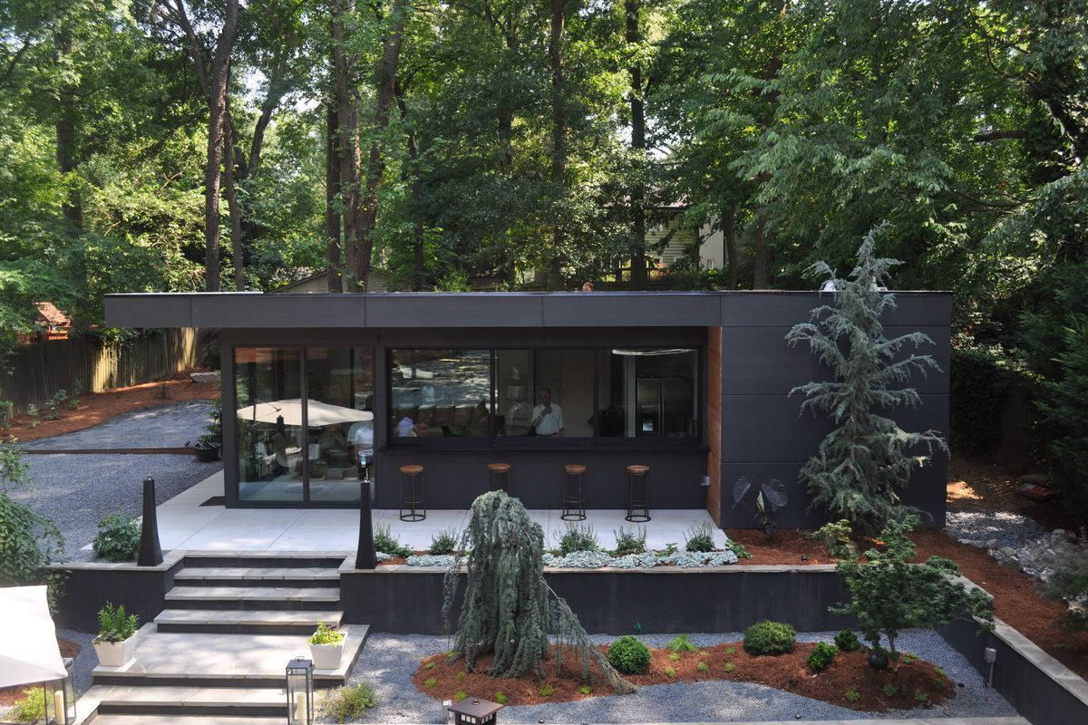 Modern homes across atlanta featured in design is human for Modern home builders atlanta