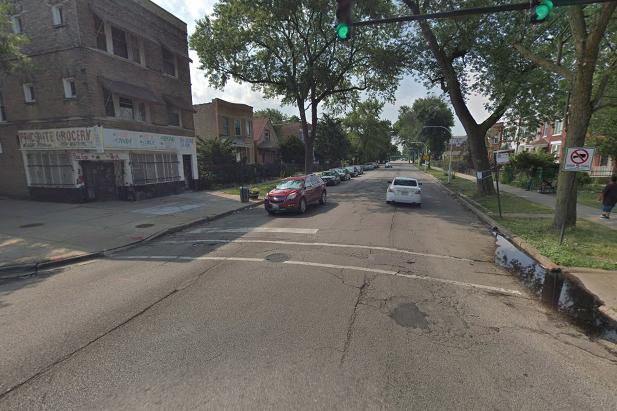 East Garfield Park shooting leaves 1 dead, 2 wounded ... on angel google maps, irwin google maps, dead on phone, dead on google earth, disney google maps, shark google maps, dead parents, dead on camera, dead on twitter,