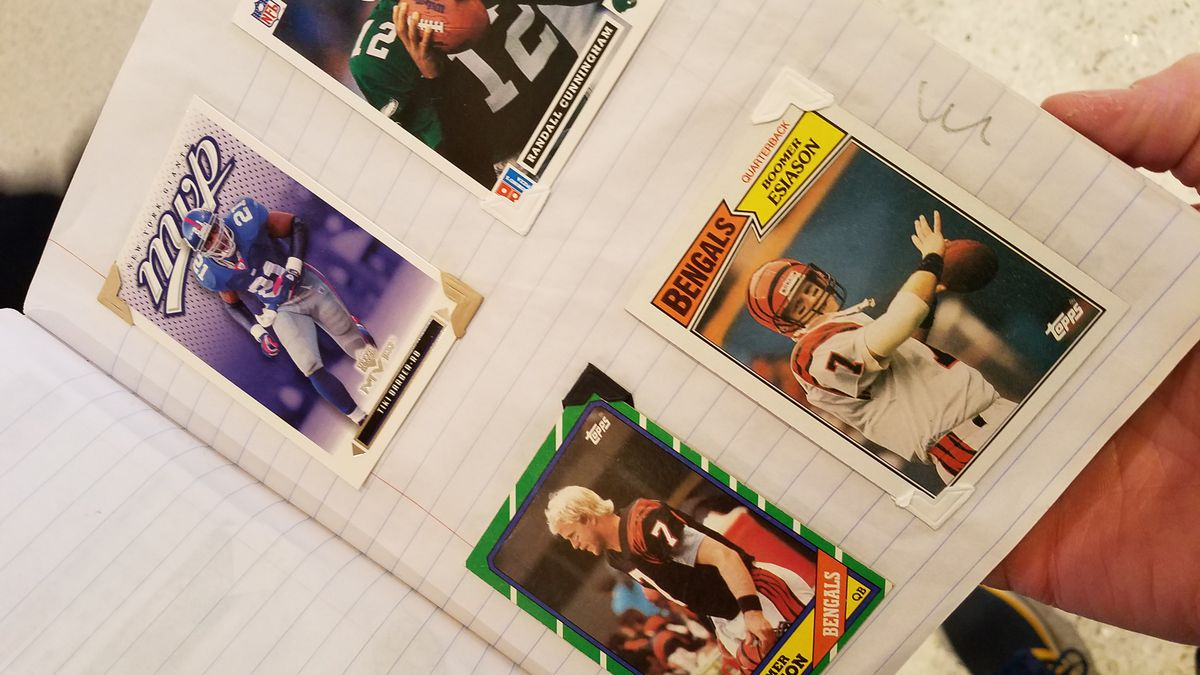 Super Bowl 2018: What it's like to collect autographs at