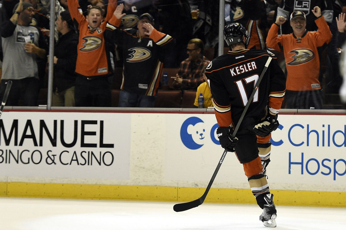 I could watch that signature pose after a goal all day.