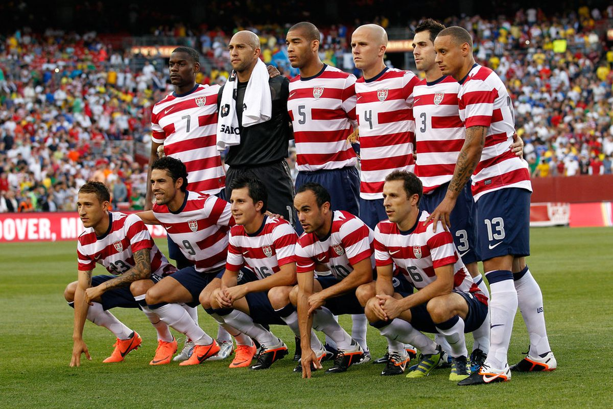 LANDOVER, MD - MAY 30: Members of team USA pose for a photo before the start of their International friendly game against Brazil at FedExField on May 30, 2012 in Landover, Maryland.  (Photo by Rob Carr/Getty Images)