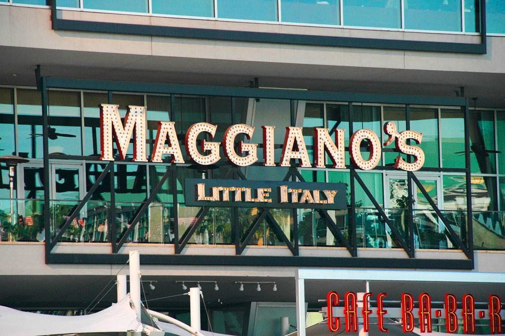 Maggiano's Little Italy Fashion Show mall
