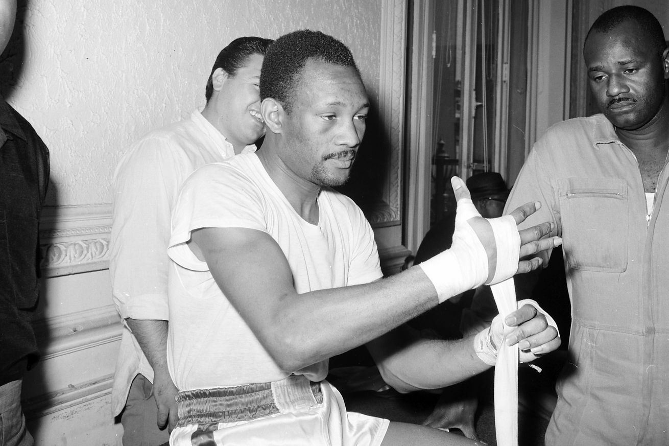 156562633.jpg.0 - Hall of Fame welterweight Curtis Cokes dies of heart failure at 82