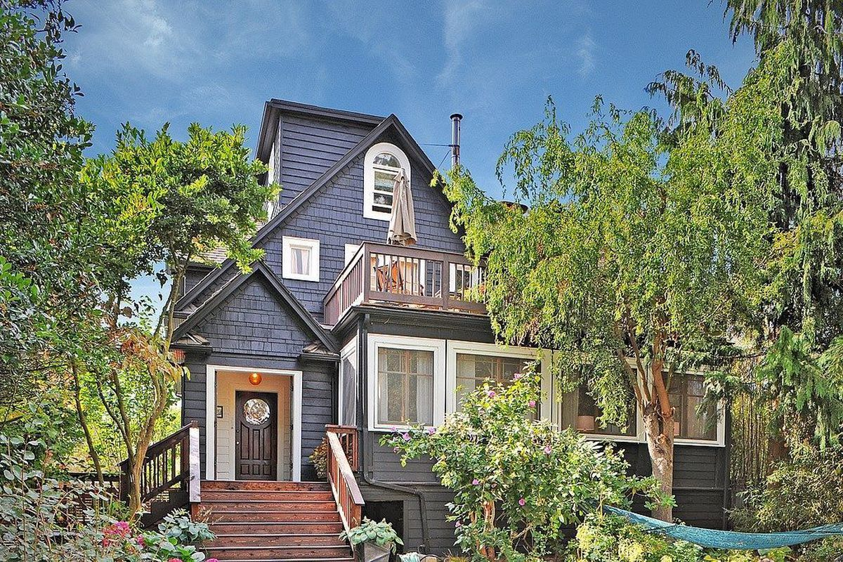 big reveal 975k for this renovated greenwood duplex curbed seattle. Black Bedroom Furniture Sets. Home Design Ideas