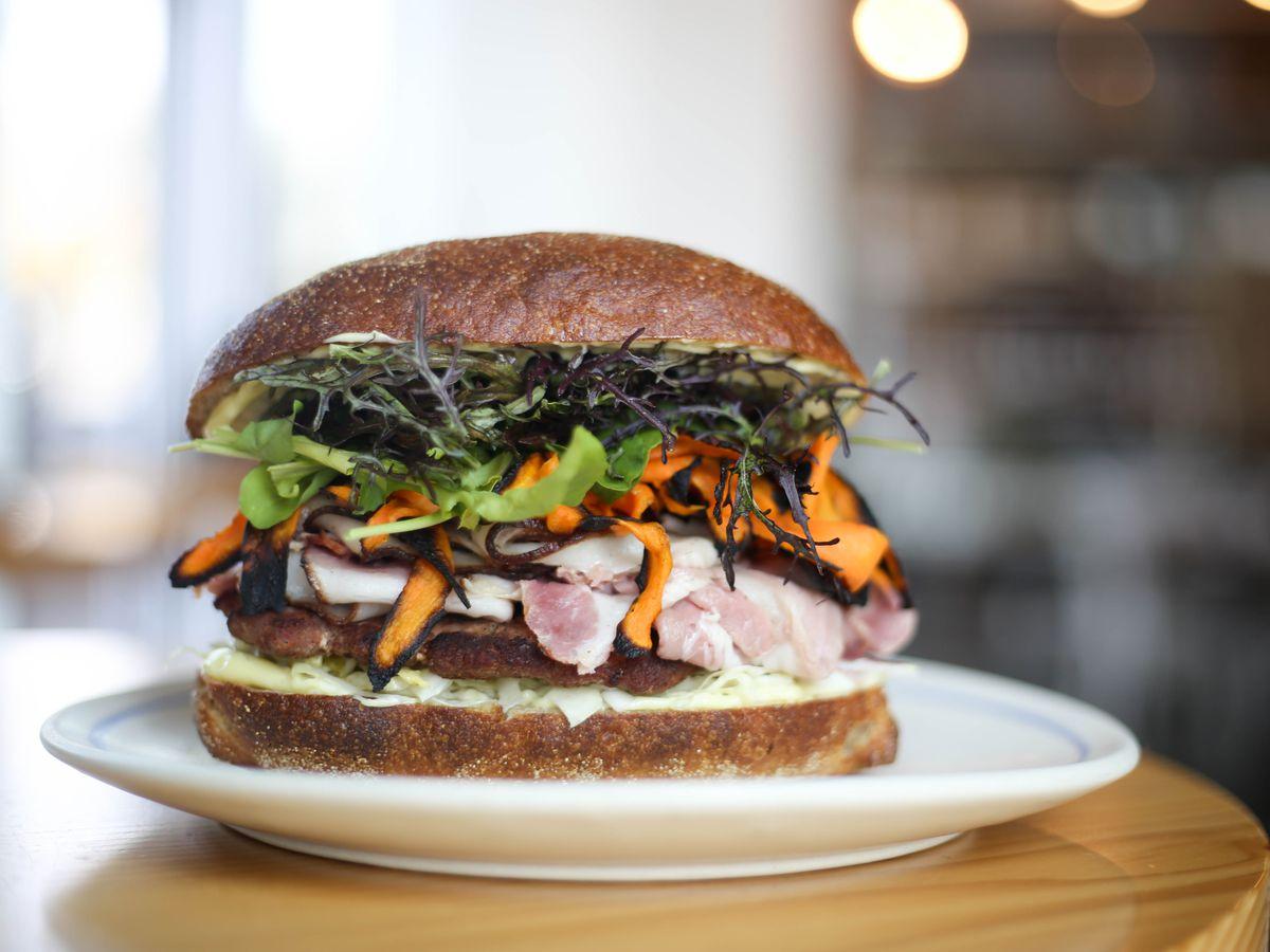 Henbit's pork sandwich