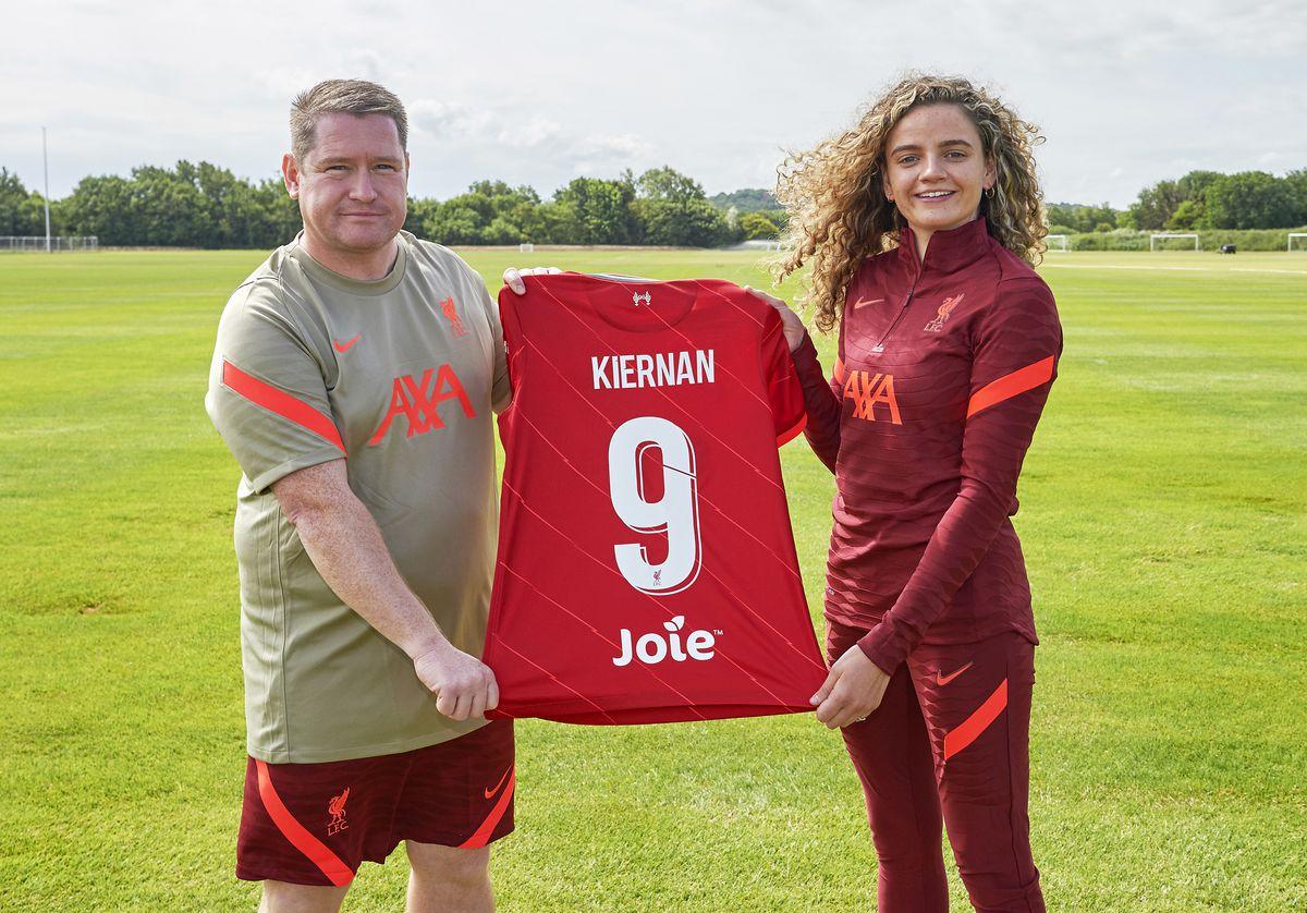 Liverpool Women Unveil new Signing Leanne Kiernan