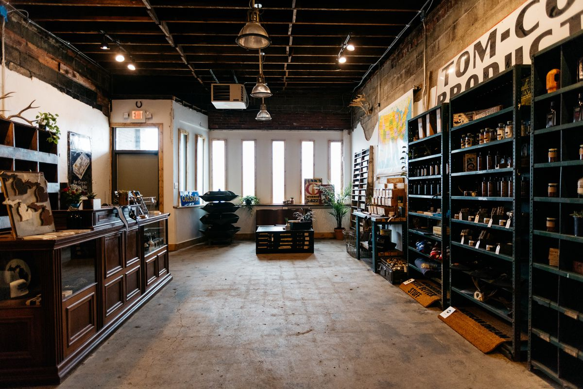 Woodward Throwbacks Opens Flagship Store Curbed Detroit