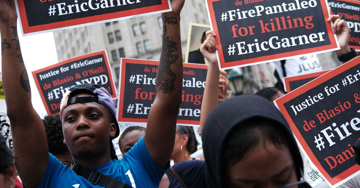 """""""Do something"""": why Bill de Blasio is facing criticism for the Eric Garner case"""