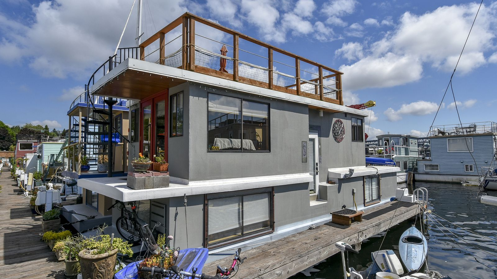 Washington WA Seattle Lake Union Lake Union Real Estate Listings amp Homes for Sale  There are currently 42 homes for sale in Lake Union at a median listing price of 745K Some of these homes are Hot Homes meaning theyre likely to sell quickly