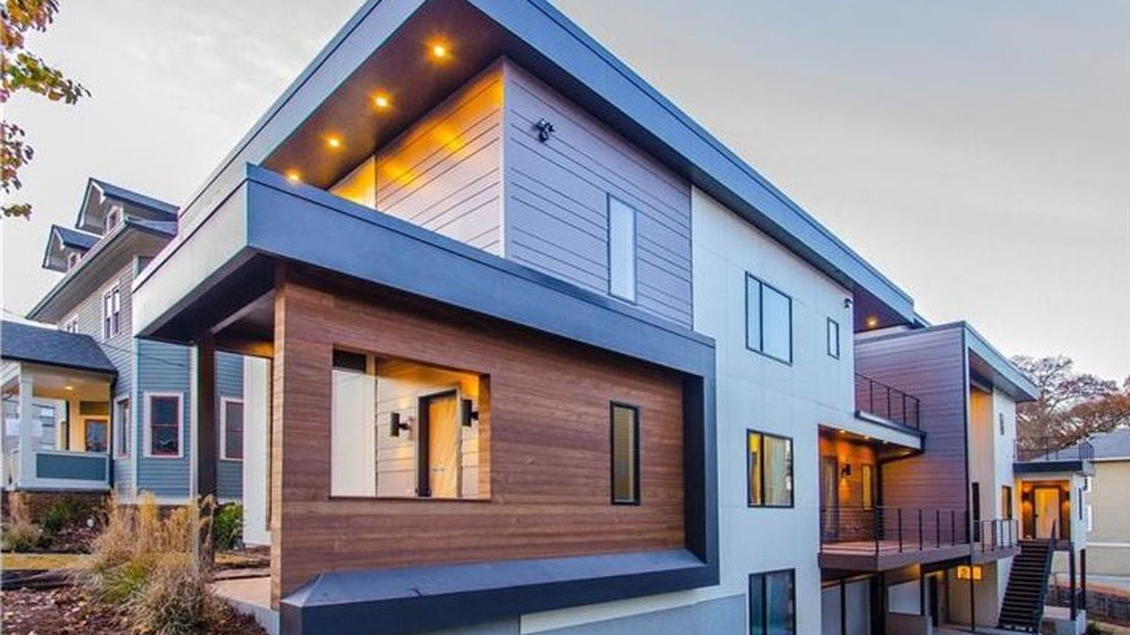 Old Fourth Ward Modern Townhome Has Giant Roof Deck 769k