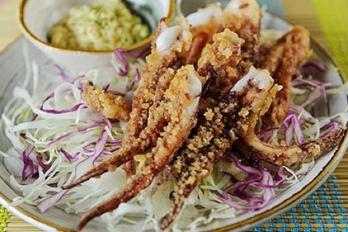 "<a href=""http://blogs.ajc.com/food-and-more/2011/07/14/raku-restaurant-review-duluth/?cxntfid=blogs_food_and_more""></a>"