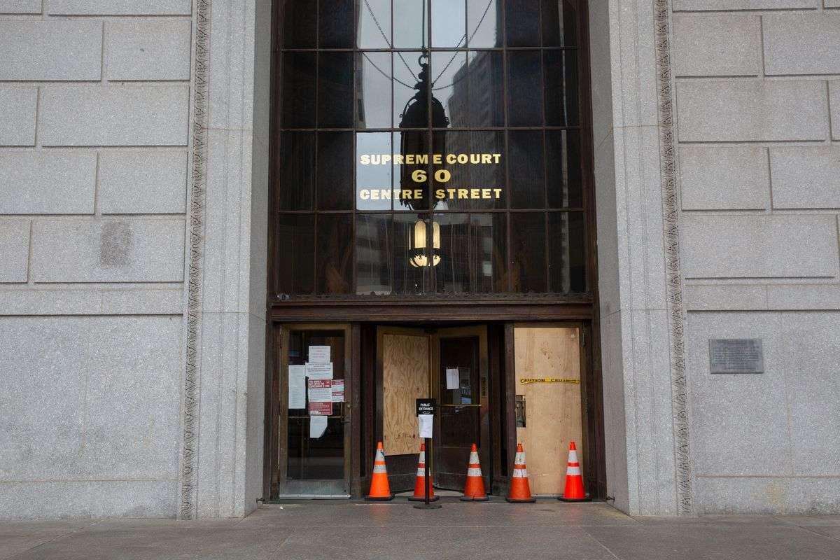 An entrance to Manhattan Supreme Court was closed during the coronavirus outbreak.