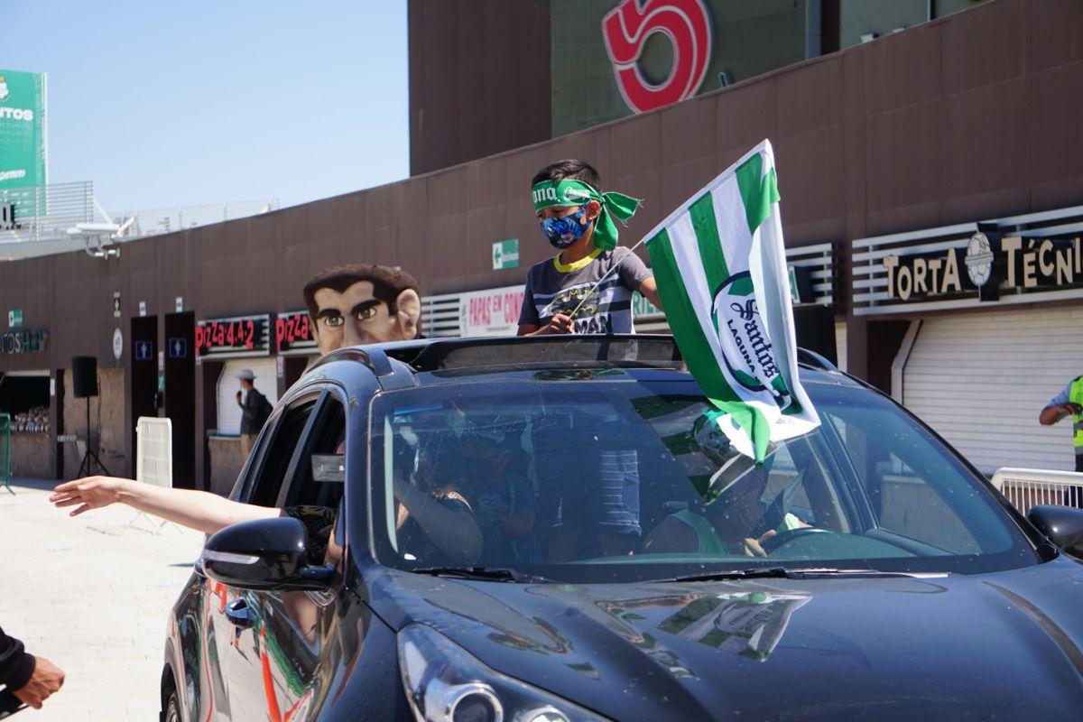 A young Santos Laguna fan at the Guerretón caravana.