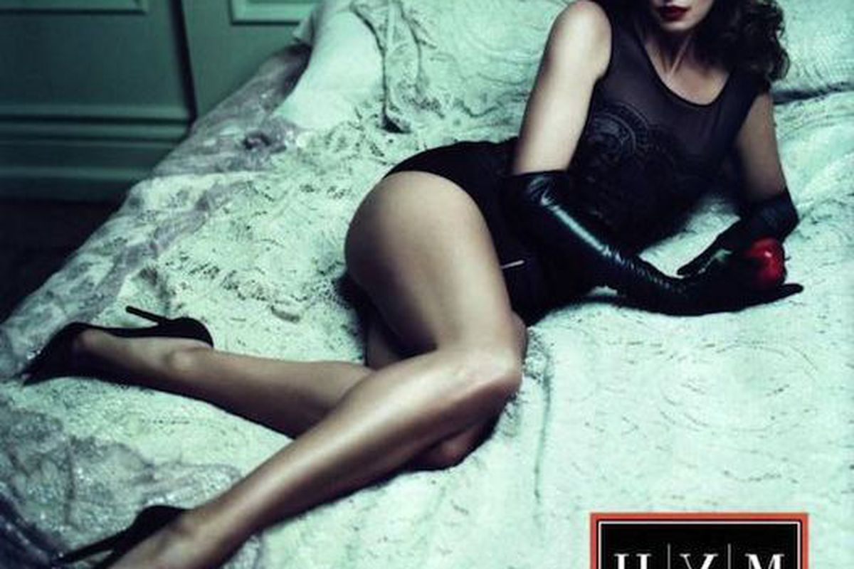 """Cindy Crawford rocks this year's campaign for <a href=""""http://racked.com/archives/2010/08/23/supermodel-alert-cindy-crawford-is-still-posing-in-lingerie-campaigns.php"""">Tsum</a>"""