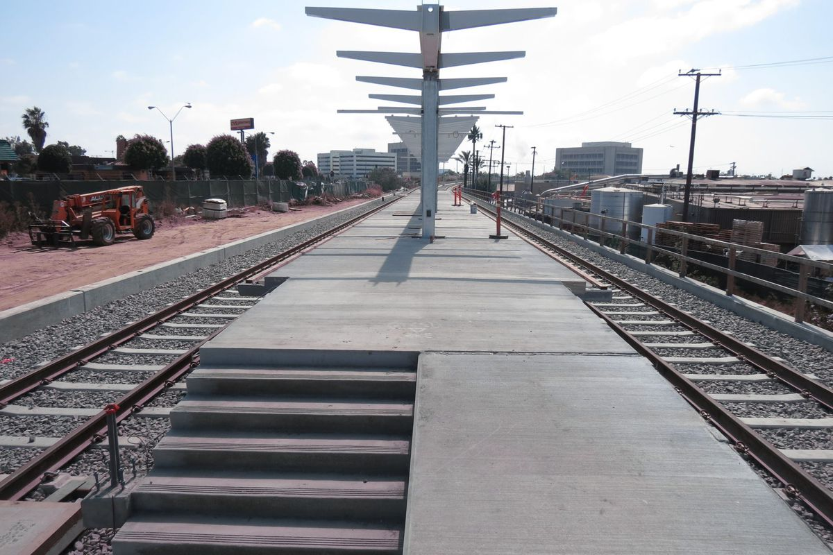 Crenshaw Line: The Inglewood Station is shaping up nicely ... on south bay cities map, santa ana college map, downey map, pleasanton map, colorado map, norco map, east lake sammamish map, woodlake map, azusa map, whittier blvd map, north redondo beach map, elizabeth park map, santa monica bay map, angels flight map, fairfield map, skid row map, highland map, the forum map, glendora map, west covina map,