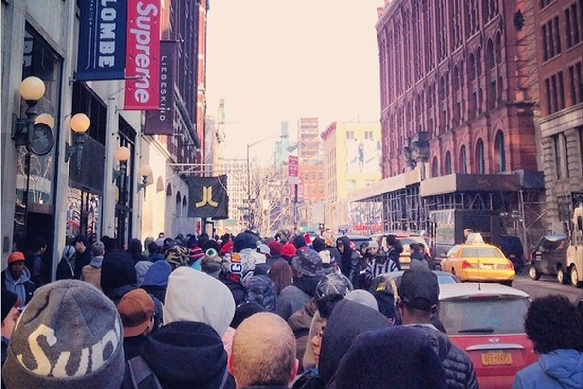 The Line Outside Supreme Is Insane Today - Racked NY 83e7f85d02