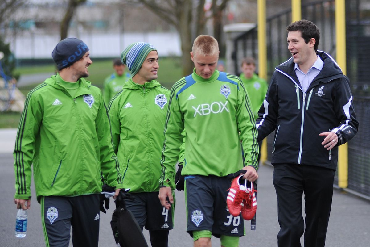 Ross Fletch Preseason Meeting The Team