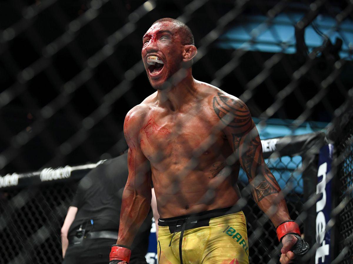 MMA: TUF Finale - Barcelos vs Gutierrez