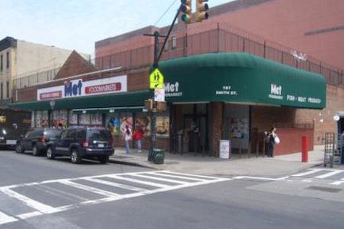 "Image via <a href=""http://www.city-data.com/businesses/865185342-met-food-brooklyn-ny.html"">City Data</a>"