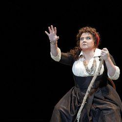 Elizabeth Bishop as Azucena in Utah Opera's production of Verdi's Il Trovatore, October 13-21 at the Capitol Theatre.