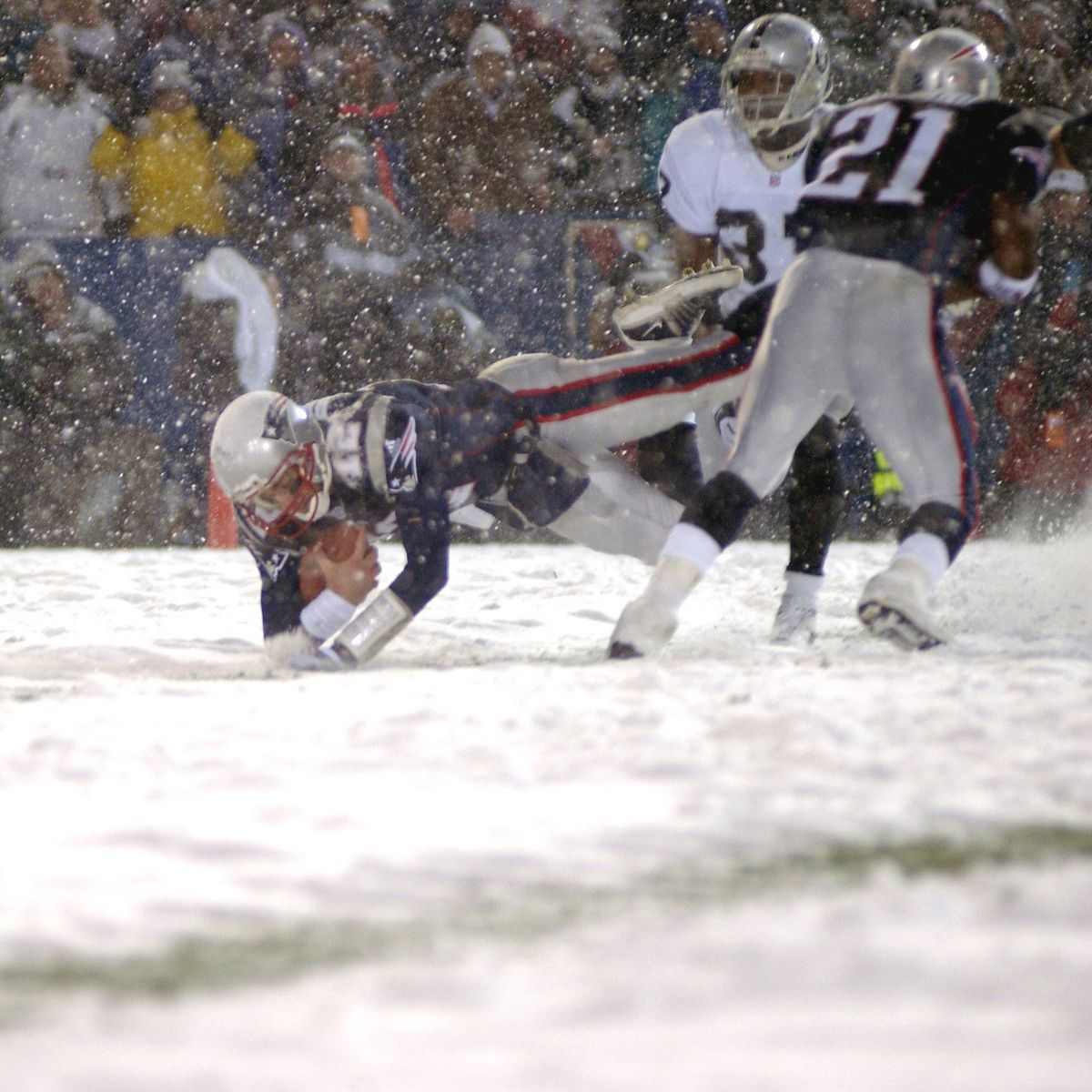 Brady dives into the end zone in the fourth quarter for the Patriots' only touchdown of the game (Robert Klein/Getty Images)