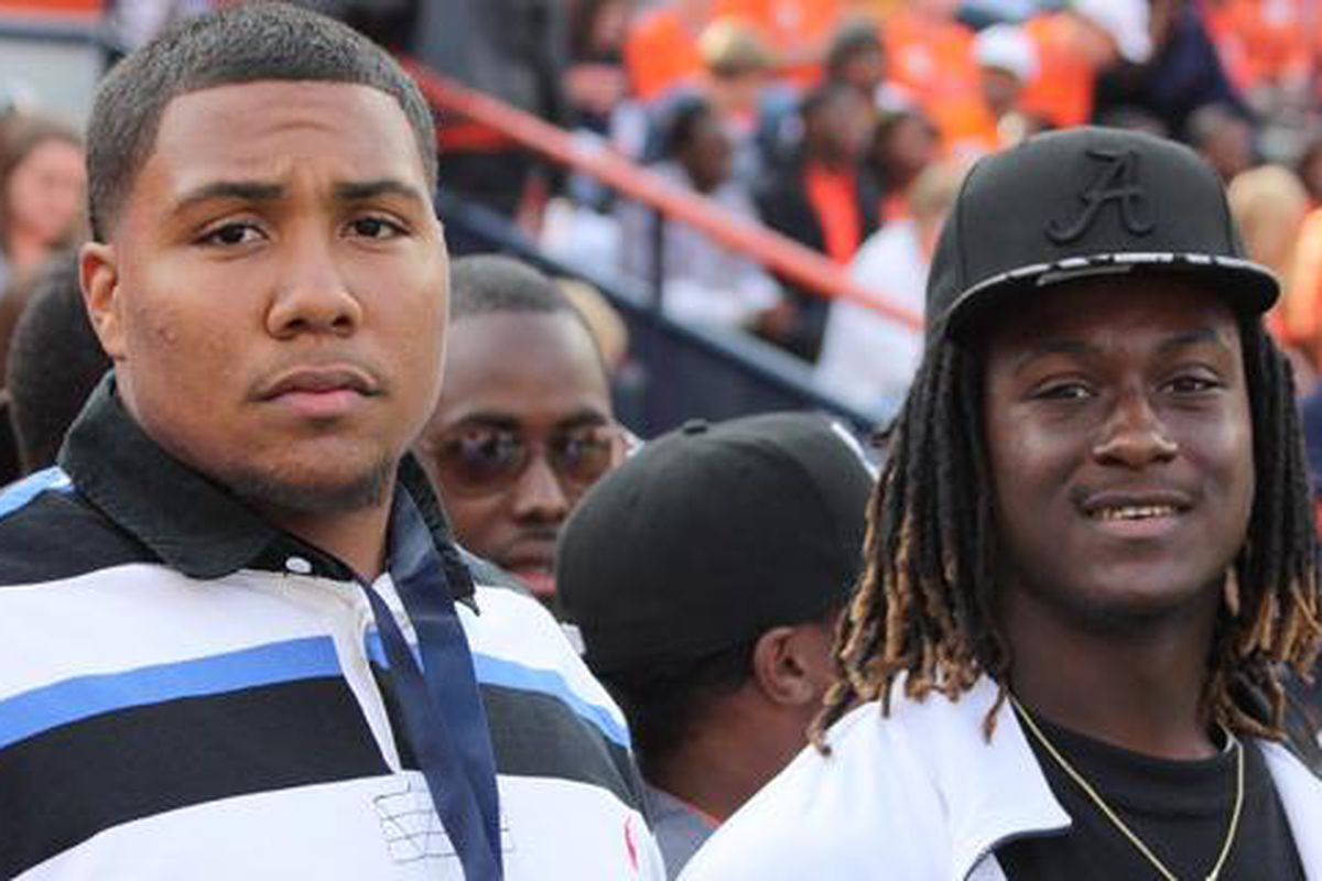 Crowell's fashion statement at an Auburn game during his recruitment in the fall of 2010.