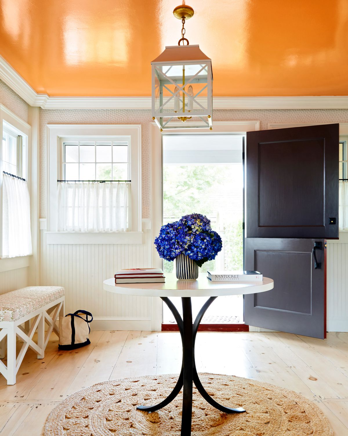 Summer 2021 Paint it, high-gloss ceiling