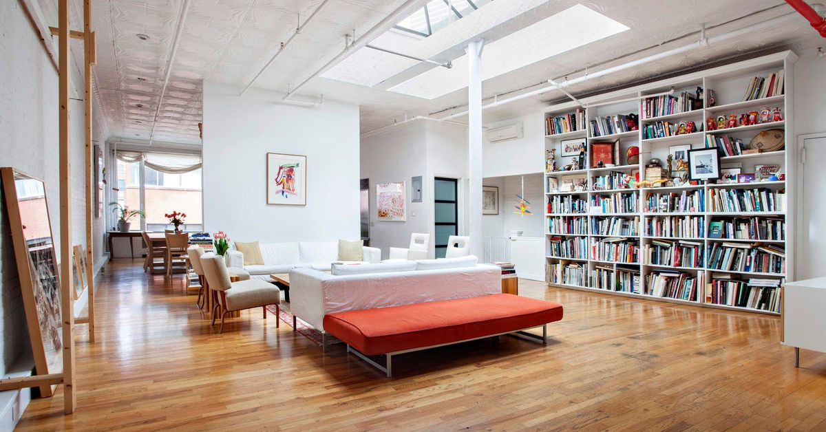 Pop artist james rosenquist s enormous tribeca townhouse for Tribeca townhouse for sale