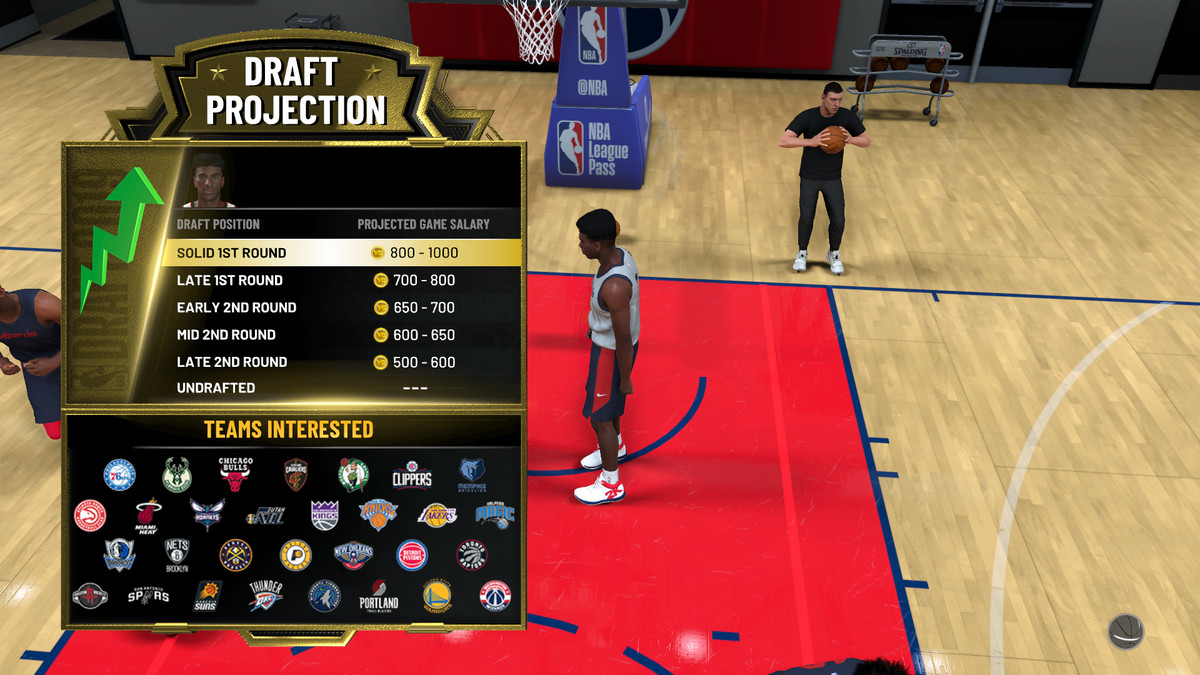 NBA 2K20's MyCareer mode shows the player he is likely to be drafted in the first round, and make the most money available to a new player.