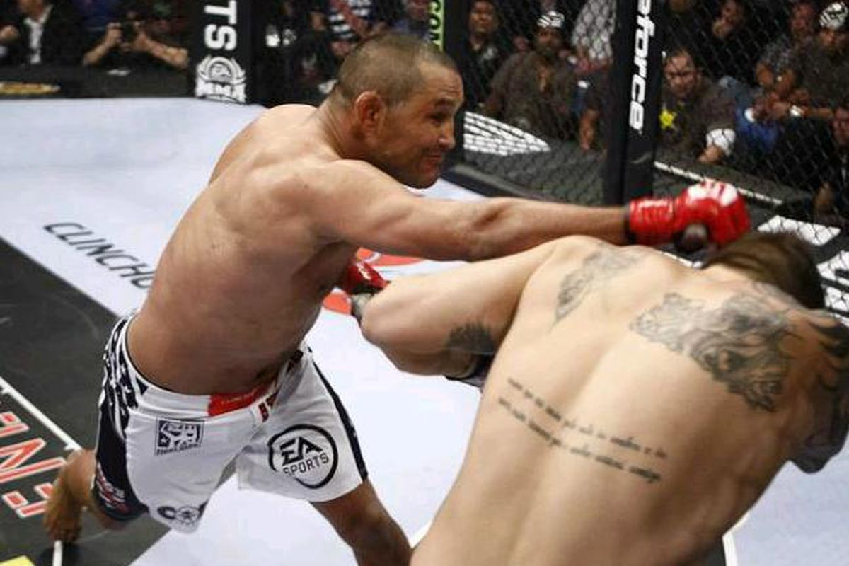"""Photo by <a href=""""http://www.mmafighting.com/photos/strikeforce-henderson-vs-babalu-pictures-photos/"""" target=""""new"""">Esther Lin</a>"""