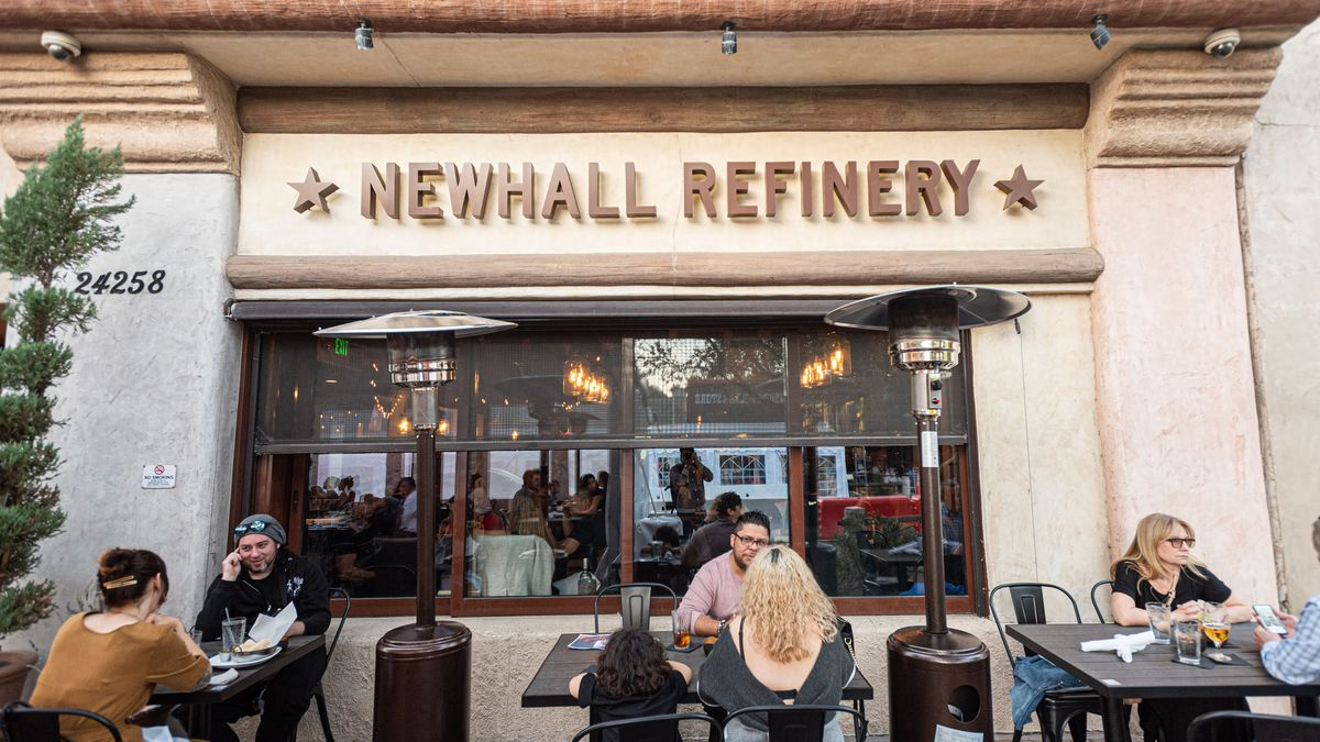 Newhall Refinery gastropub with diners on a Saturday evening in Santa Clarita.