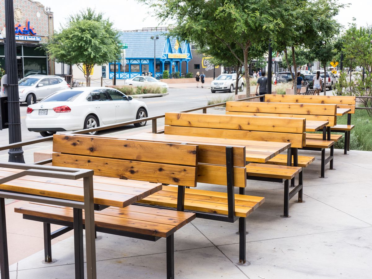 This Lower Greenville Hotspot Is Frequently Packed But The Patio Can Be A Welcome Reprieve From Chaos Inside Restaurant Enjoy Your Nashville Style