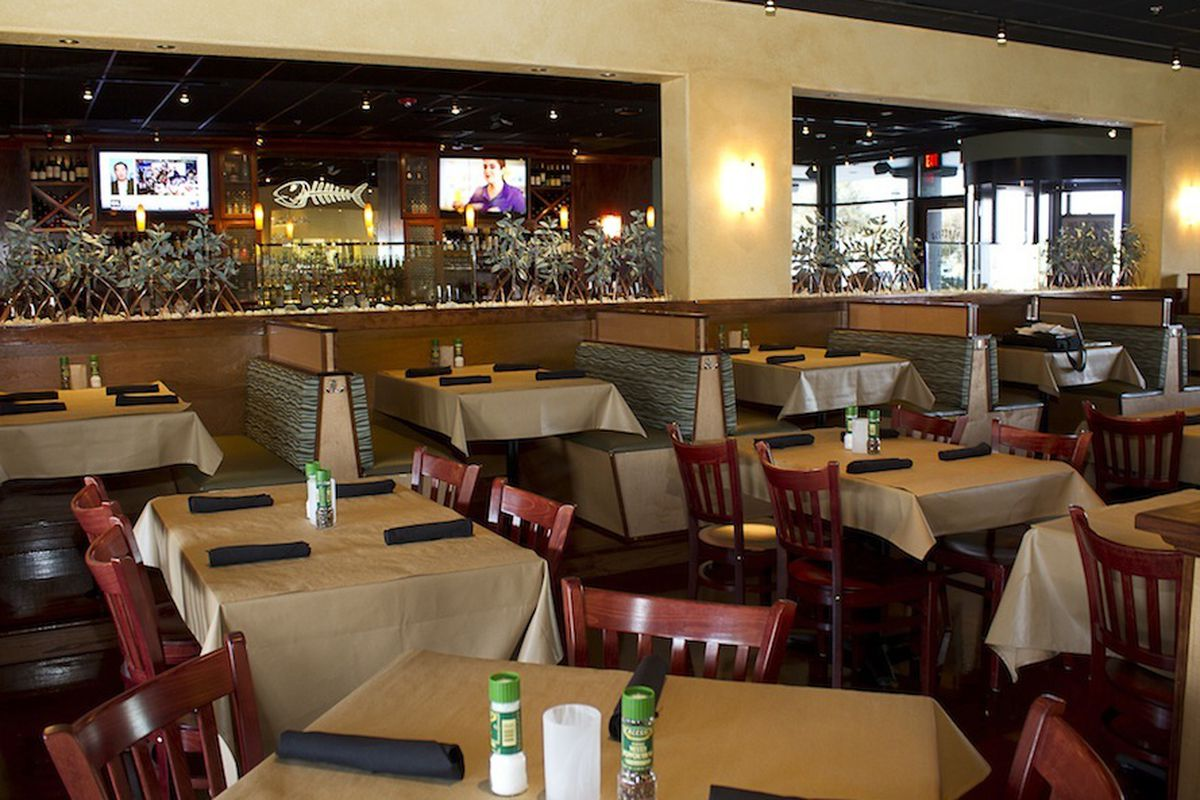 Bonefish Grill in Omaha, NE is a popular place to spend time with your friends and family for brunch, lunch and dinner. If you are coming through for lunch, you will want to try some items such as the BFG fish sandwich, the Alaskan cod fish & chips and the Maryland style jumbo lump crab cakes.