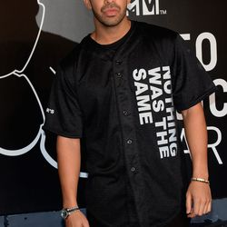 Drizzy Drake in the color of the evening, black.