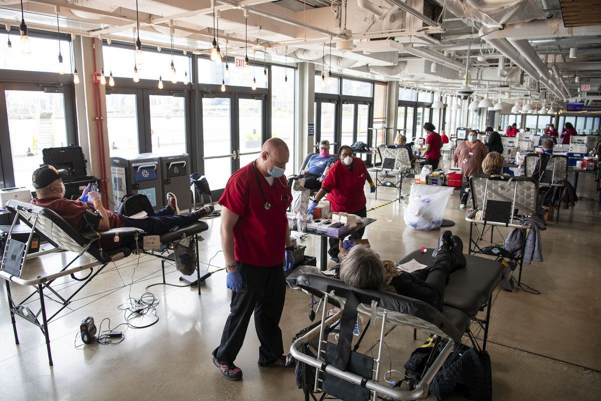 Around a dozen people give blood at a Red Cross blood drive at Navy Pier, Monday, May 4, 2020. | Tyler LaRiviere/Sun-Times