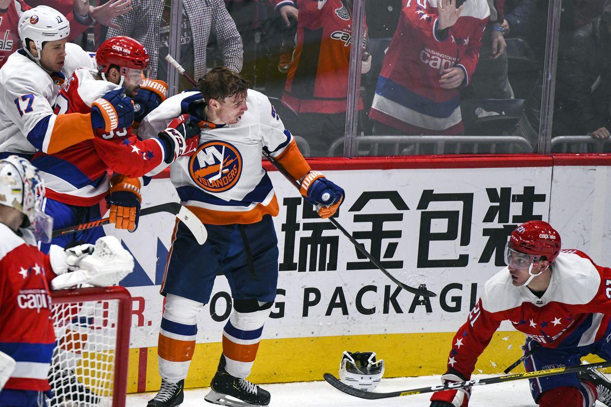 NHL: DEC 31 Islanders at Capitals