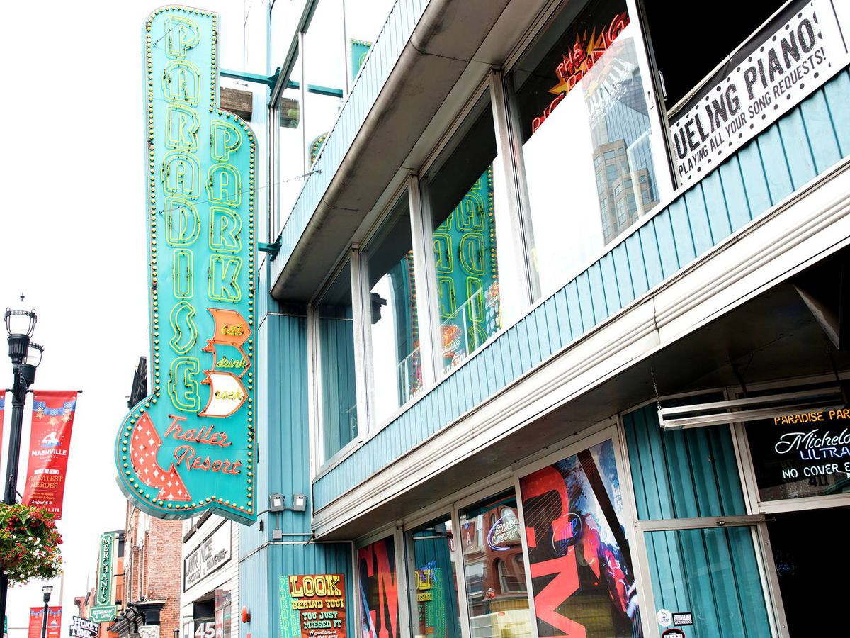 Sunday on Food Network: Giada Judges Cutthroat Kitchen - Eater Nashville