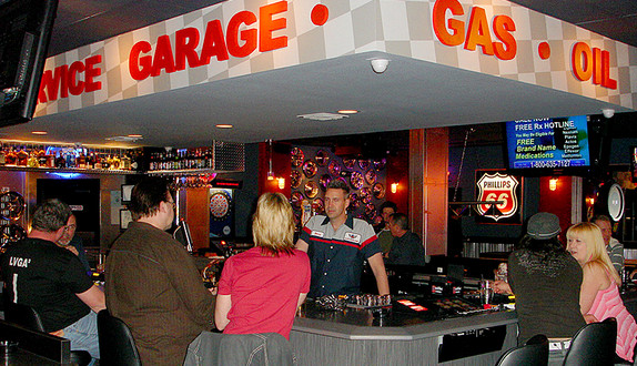 The Best Gay Friendly Bars And Nightclubs In Las Vegas Eater Vegas