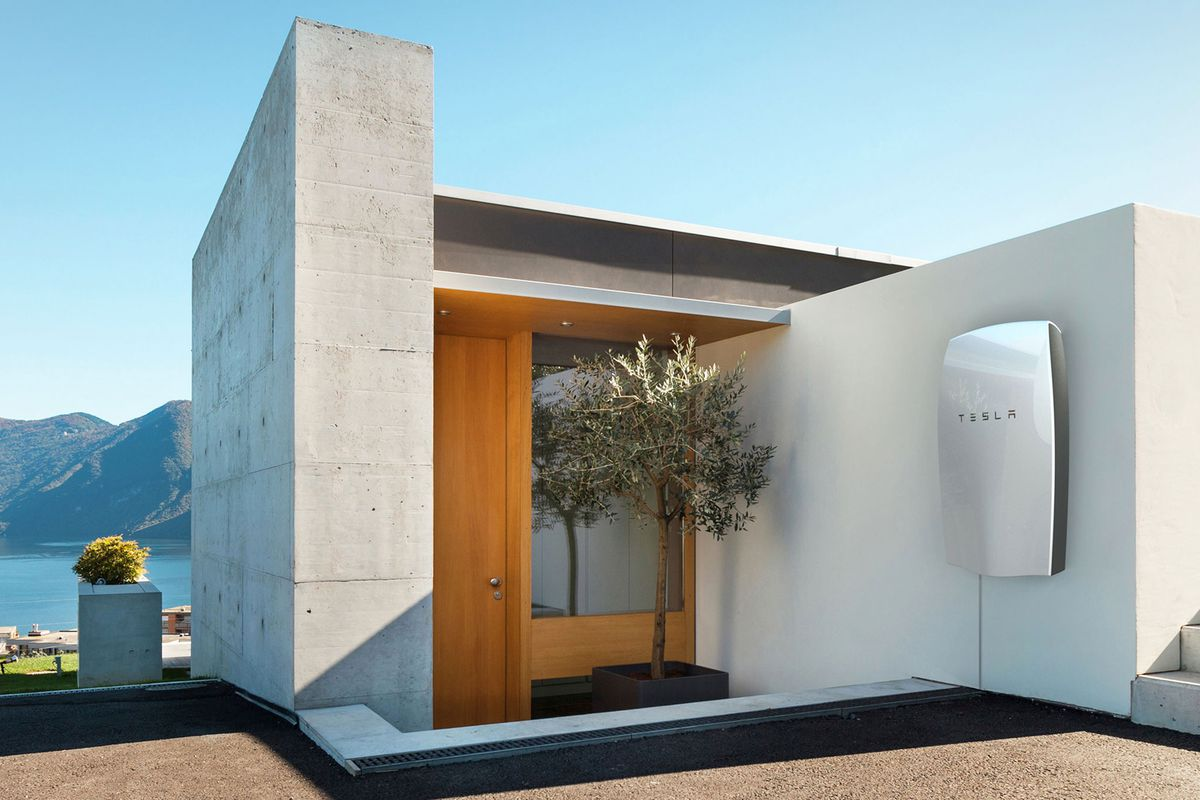 Tesla House Battery >> Better Home Batteries Are Changing The Sustainable Energy Game Curbed