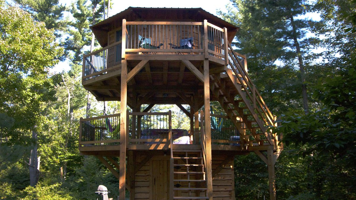 Tiny House Furniture >> I played out my childhood dream of living in a treehouse ...