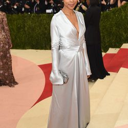 Sophie Okonedo wears a Tome gown, Margaux shoes, and a Judith Leiber Couture bag.