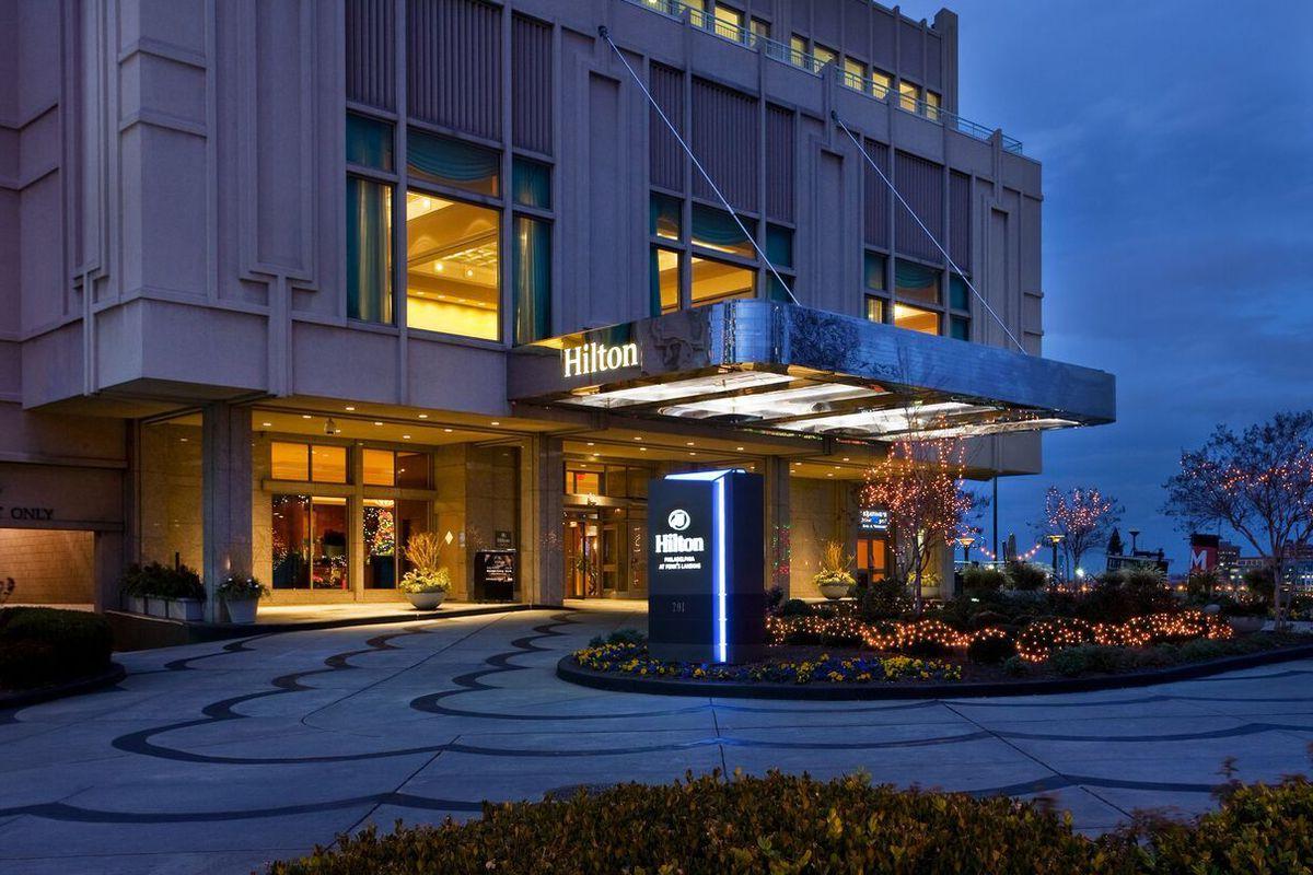 Penn S Landing Hilton Gets A Restaurant Revamp