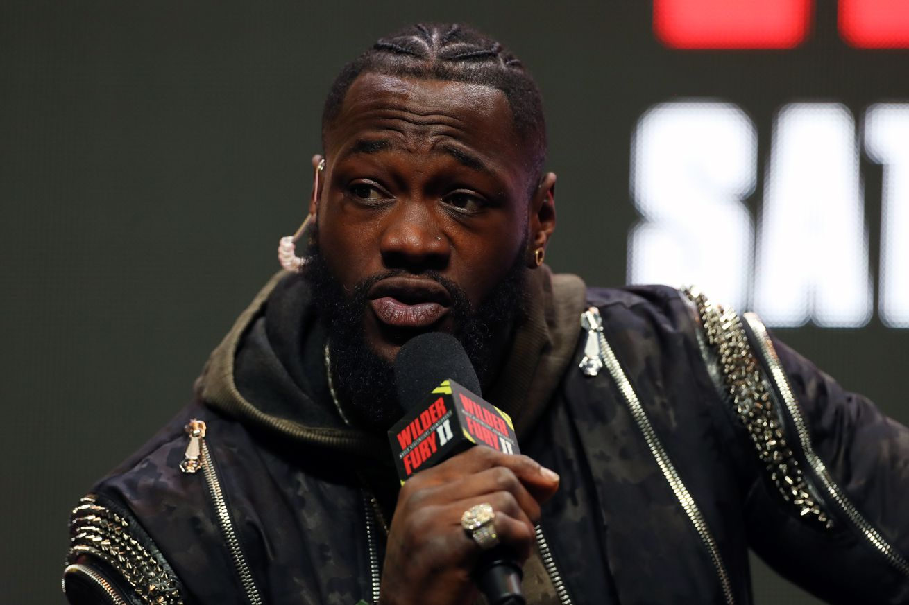 1201946920.0 - Wilder accuses Fury of loading gloves, demands third fight