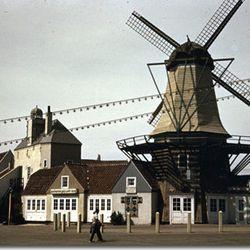"""Zuider Zee via <a href=""""http://www.1939nyworldsfair.com/worlds_fair/wf_tour/zone-7/Heineken.htm"""">1939 World's Fair</a>."""
