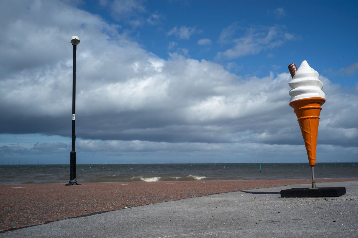 Holidaymakers Head To British Seaside Resorts