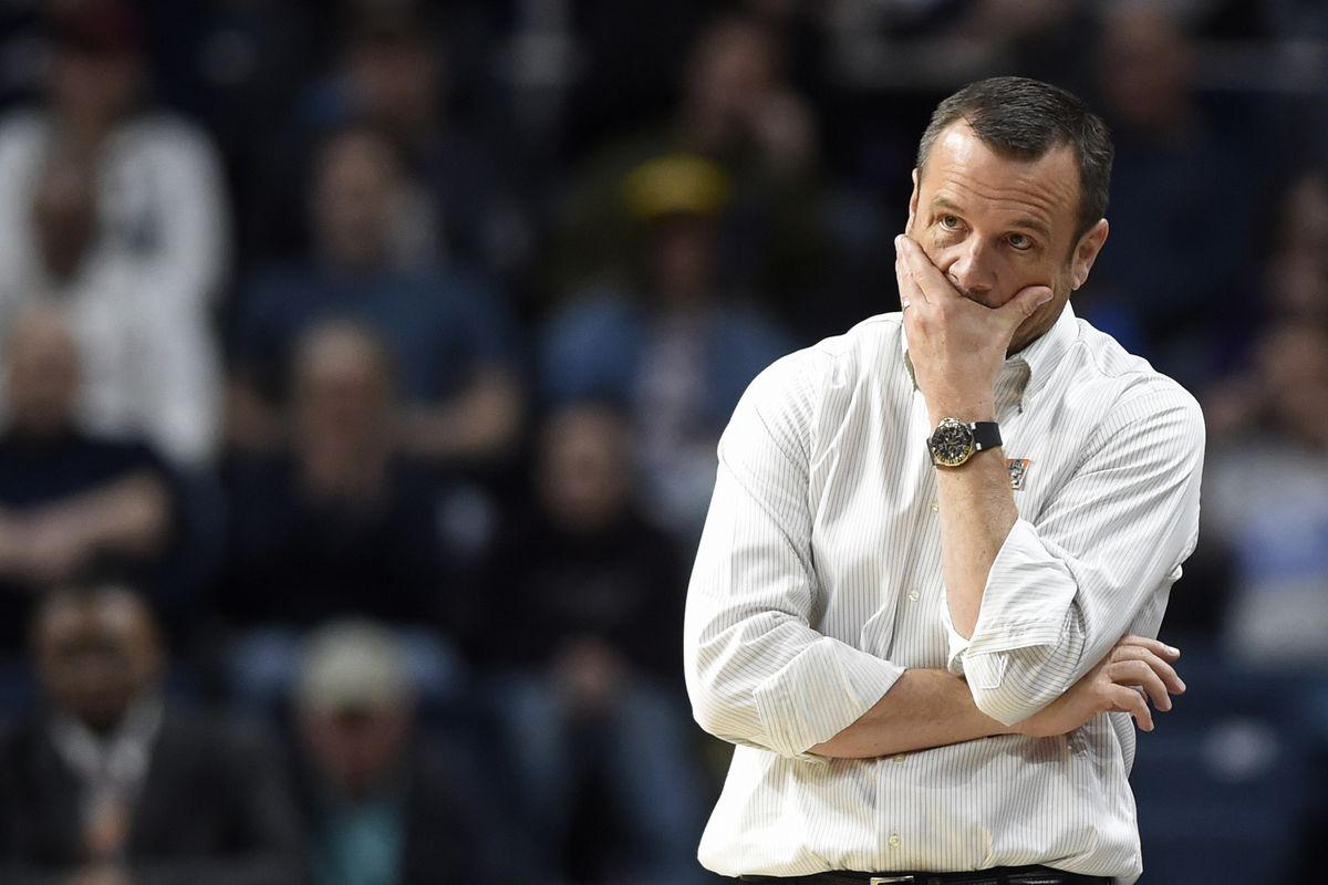 Louisville Cardinals head coach Jeff Walz looks on during the NCAA tournament east regional final against UConn on Sunday, March 31, 2019 at the Times Union Center in Albany, N.Y.